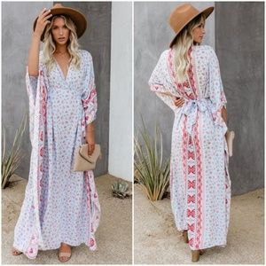 Vici Beacon Hill Tie Back Kimono Dress